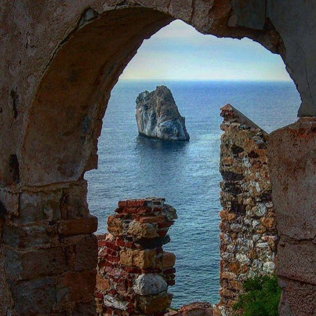 Nebida #Sardegna •••••••••••••••••••••••••••••• Questa foto è stata scattata da @filila78 •••••••••••••••••••••••••••••• Tag your best photos with #sardiniaworld and follow me to be feautured on my profile! Aggiungi hashtag #Sardinianworld alle tue foto della nostra isola, le più belle saranno selezionate e poi ripubblicate #sardinia #sardinianlandscape #sardiniansea #sardiniamylove #ig_sardinia #sardiniaphotos #sardegnaofficial #loves_sardegna #sardegna_super_pics #instasa...
