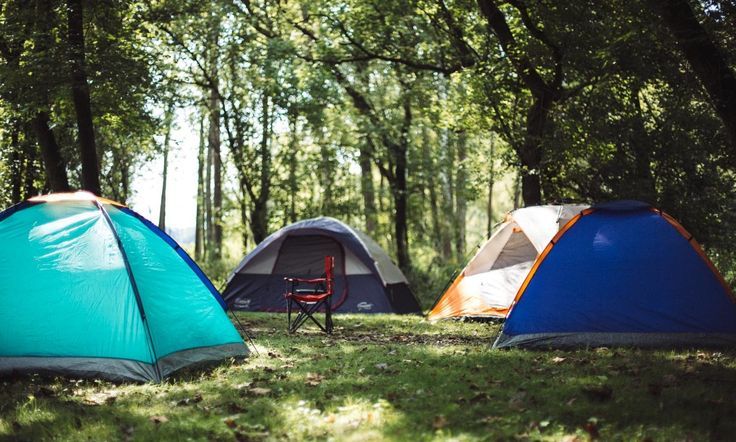 Lifestyle blogger Surekha of Dreaming Loud sharing fall camping checklist