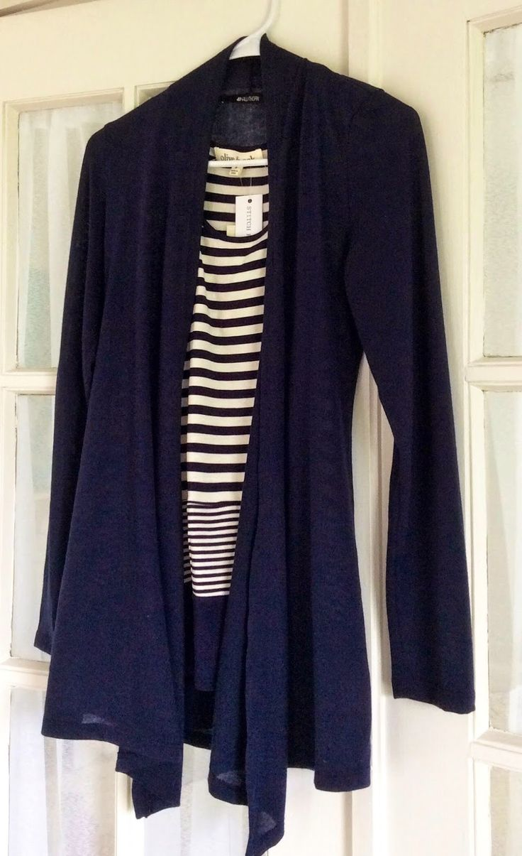 Best 25  Navy cardigan ideas on Pinterest | Navy cardigan outfit ...