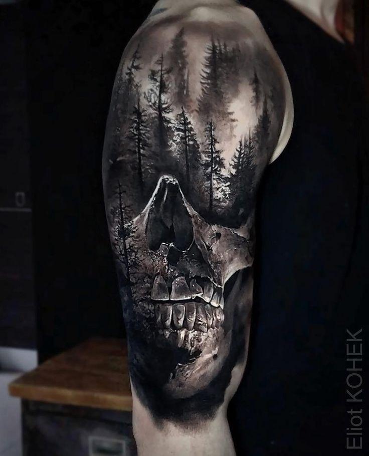 Erhabenes Stuck Das An Kerls Schulter Und Oberarm Gemacht Wurde Mit Einem Rea Maennerfrisuren Club In 2020 Skull Sleeve Tattoos Scary Tattoos Skull Tattoo Design
