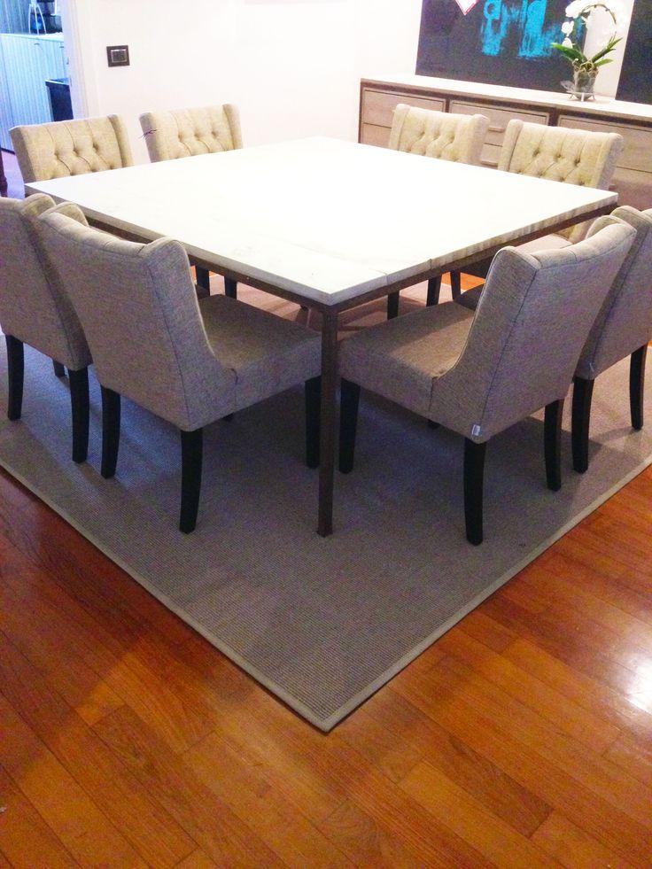 Progetto e realizzazione di tavolo con base in ferro ruggine, top con tavole di recupero, sedie imbottite in mistolino e credenza in ferro ruggine e legno sbiancato...stuoia in sisal bordata in lino.