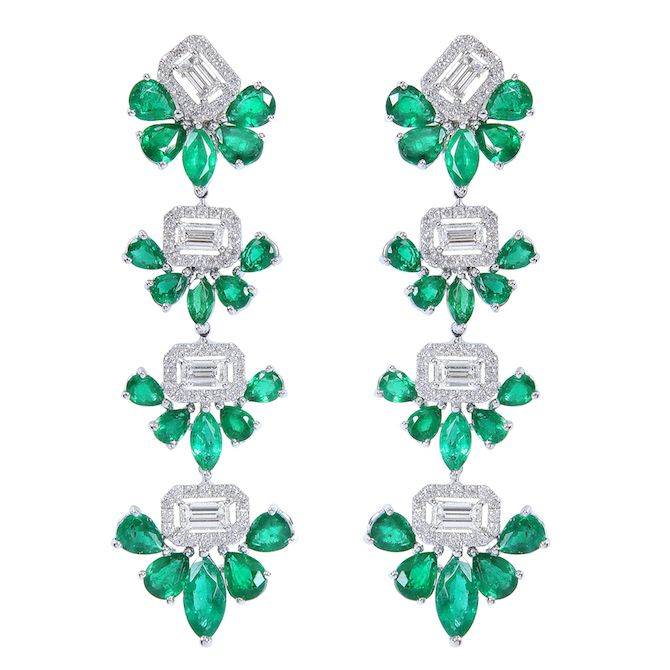 Drop earrings in 18k white gold with emerald and diamonds, price on request, Djula