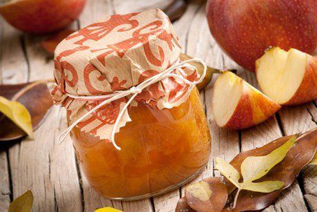 Selbstgemachte Apfelmarmelade schmeckt einfach herrlich. Mit diesem tollen Rezept gelingt Ihnen die Marmelade ganz sicher.