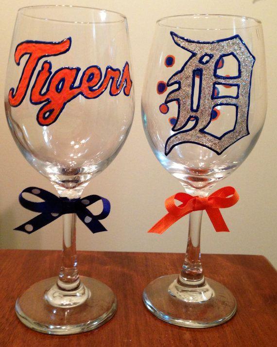 Detroit Tigers wine glasses by BlairBearDesigns on Etsy, $28.00