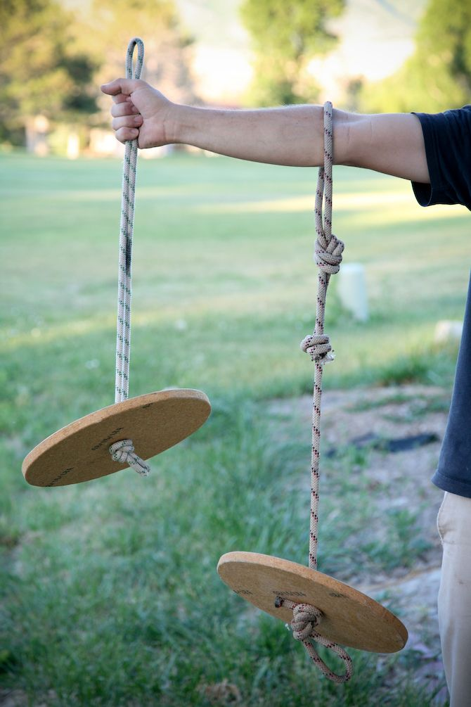 Check out these adorable DIY rope swings! The perfect way to keep your kids occupied during your backyard party.
