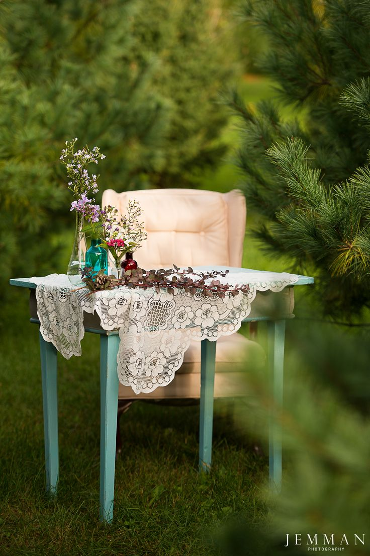 outdoor ceremony. forest wedding. signing table. registry. pop up wedding. Photo by: J E M M A N | Photography Florals by: Floral Reef Designs Styled by: ITM Events
