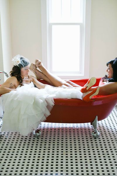 Adorable photo op with your maid of honor!