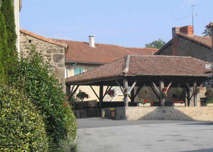 Saint-Pardoux : Halle