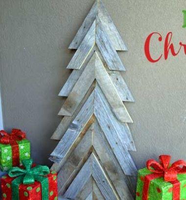 DIY Rustic pallet wood Christmas tree (free woodworking plan) // Rusztikus raklap karácsonyfa házilag - barkácsolás // Mindy - craft tutorial collection // #crafts #DIY #craftTutorial #tutorial