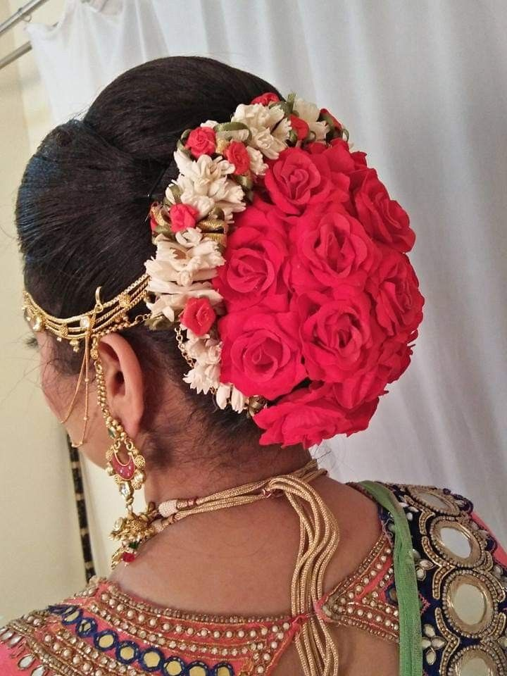 Pin By Shakia Brown On Hairstyles With Flowers Diy Wedding Hair Indian Bride Hairstyle Indian Bridal Hairstyles