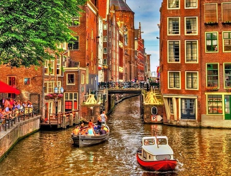 There is plenty to explore in Amsterdam, however, some of its attractions are unlike anywhere else. Here's our list of top 10 tourist attractions in Amsterdam you need to visit.