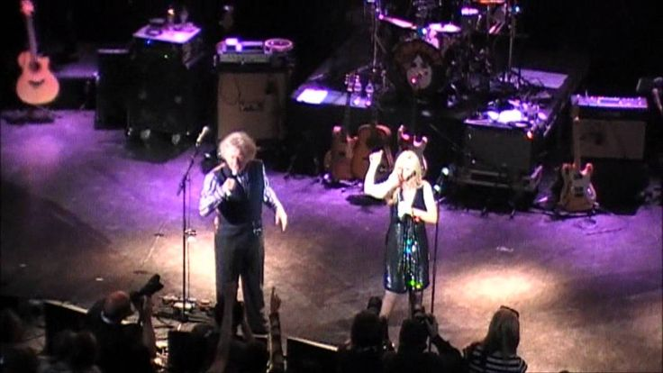 Noddy Holder and Lynsey De Paul - Marc Bolan Tribute gig - Shepherd's Bu...