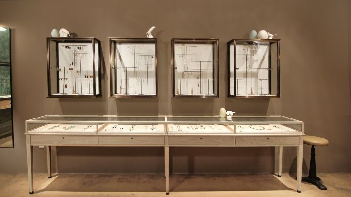 25 best ideas about jewelry display cases on pinterest - Discount bathroom vanities los angeles ...