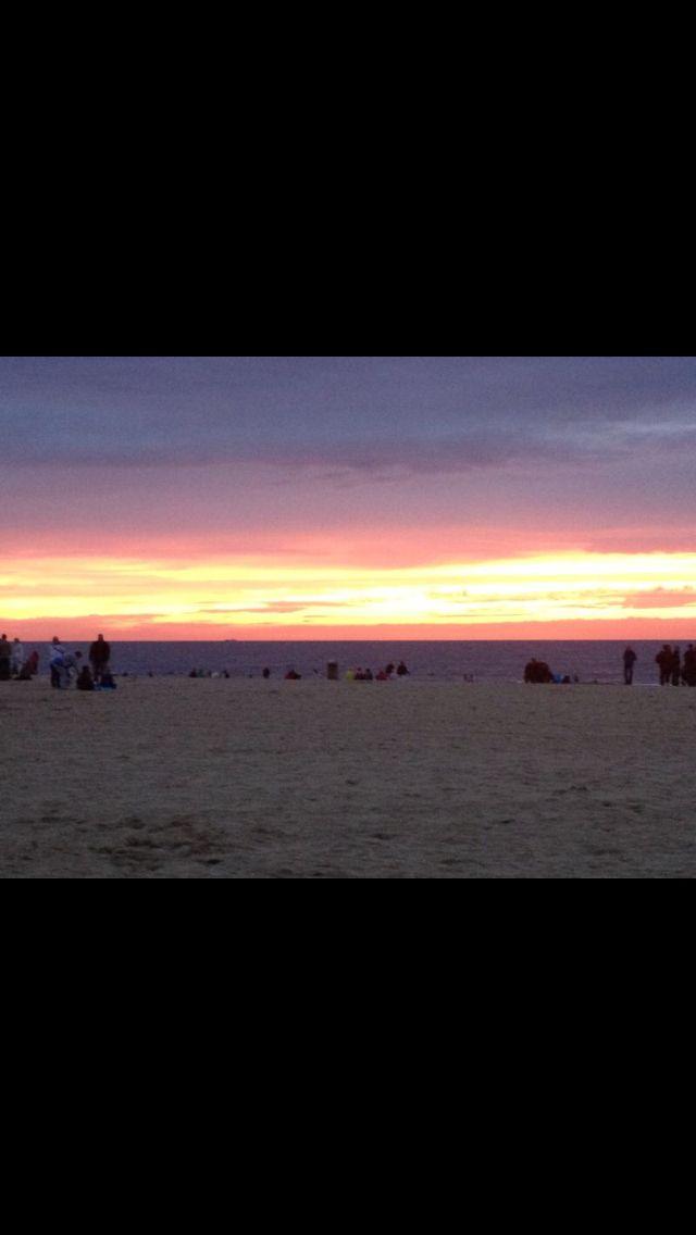 Roze lucht @ strand Scheveningen