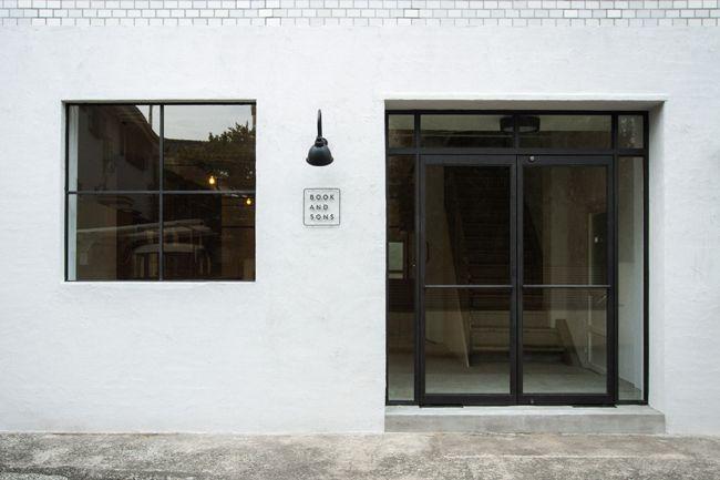 フォント&タイポグラフィ専門の古本屋「BOOK AND SONS」が目黒にオープン