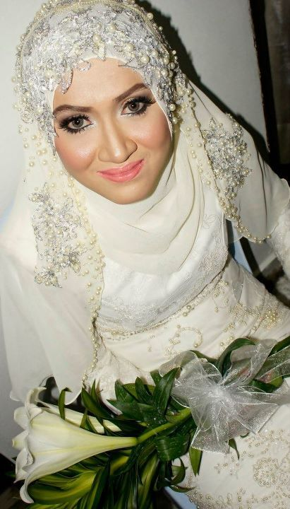 i n t a n o r a z a m . b l o g s p o t . c o m: We share the same wedding dress!
