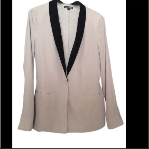 Express Beige Blazer Like new !! Super cute with skinny jeans and high heels , it's from a really light material looks amazing on Express Jackets & Coats Blazers