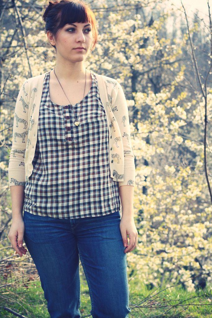 Anna // Paunnet // banksia tank w/o collar. LOVE this!Banksia Tops, Sewing, Contrast Collars, Bonus Dresses, Megan Nielsen, Navy Apples, Apples Prints, Dresses Version, Banksia Tanks