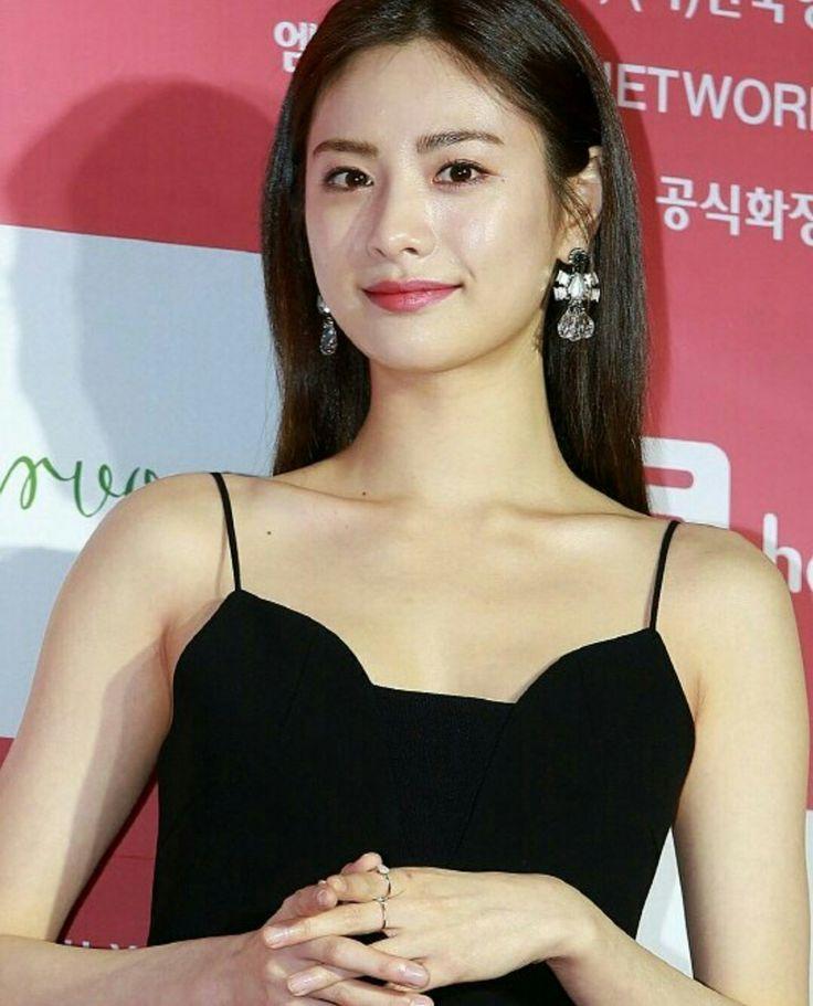 """Nana 💗💗💗 this week at the Korean film industry Top Star Awards 😘. She won the """"Popularity Award"""" 😘 #nana #imjinah"""