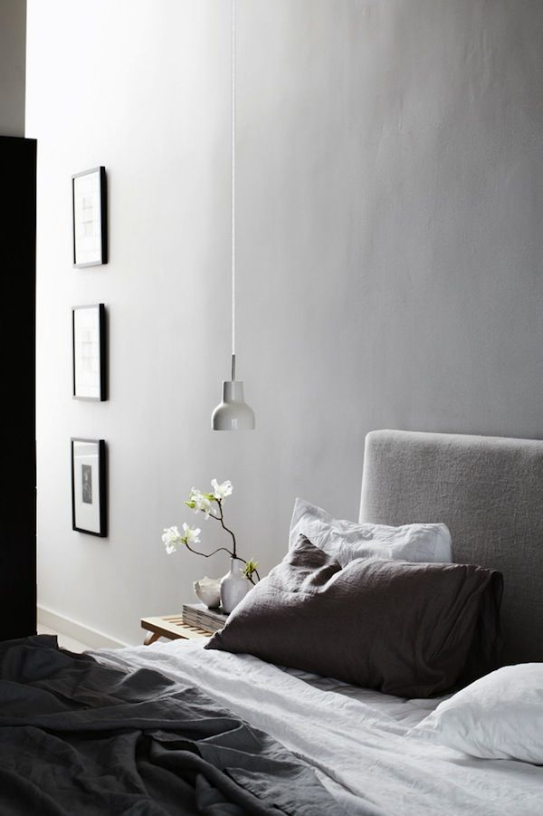 A beautiful renovated apartment in Melbourne. Loving the neutral color palette giving it a warm and sophisticated atmosphere. The mix of furniture pieces, with some great design pieces by Eames and Gervasoni, and the chosen materials are really well done. 100% love from me. Images