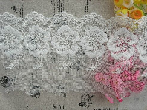 Free shipping!Embroidery lace-cotton lace 11cm off white for retail and whole sale DIY material $22.00