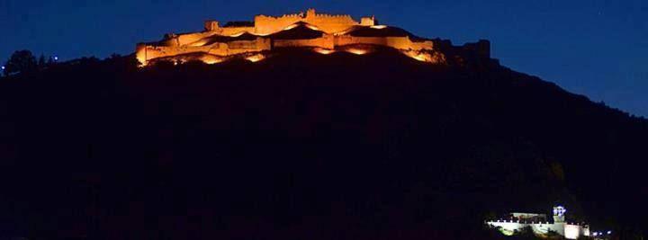 αλεπού του Ολύμπου: Κάστρο Πλαταμώνα.....Ξαφνικά χτες ,δυό μήνες πριν ...