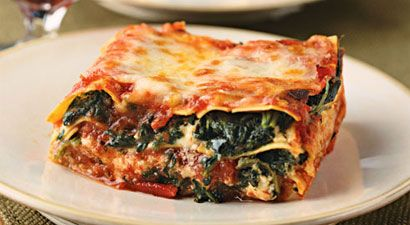 Quick & Easy One-Step Spinach Lasagna - I'm on a kick to try to make more meals that have TONS of veggies -- this is one of the ones I want to try.
