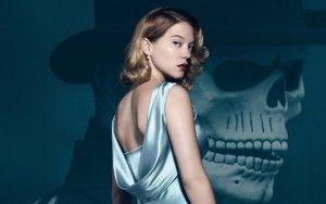 """Η γαλλίδα ηθοποιός Lea Seydoux είναι το δεύτερο κορίτσι του James Bond στην ταινία """"Spectre"""". Έχοντας πάρει καλές κριτικές σε ταινίες όπως Άδοξη μπάσταρδοι και Blue is the Warmest colour από προηγούμενες χρονιές, ήταν η επιλογή του σκηνοθέτη και των παραγωγών για τον ρόλο. Η 29χρονη που είχε την τιμή να παίξει δίπλα στα μεγάλα ονόματα των Belucci και Craig, εκτός από ηθοποιός είναι και μοντέλο σε διαφημίσεις του οίκου Prada. Στην ταινία υποδύεται τον ρόλο της Madeleine Swann και μας θυμίζει…"""