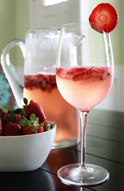 Strawberry White Wine Spritzer