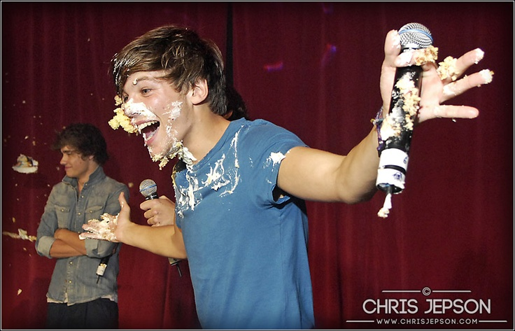 One Direction, cake fight, photo © ChrisJepson.com - Performance and Live Music Photographer