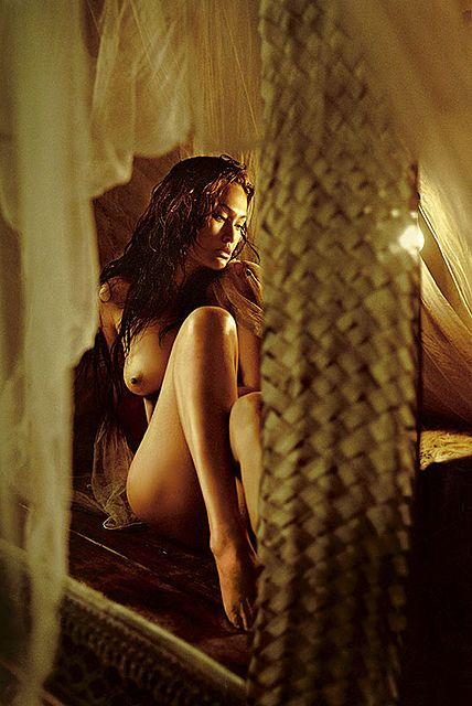 Tia carrere nude pictures