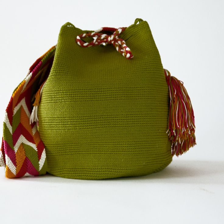 Cabo Wayuu Mochila Bag// crochet with thicker yarn the bag and it's handle with thinner in the round