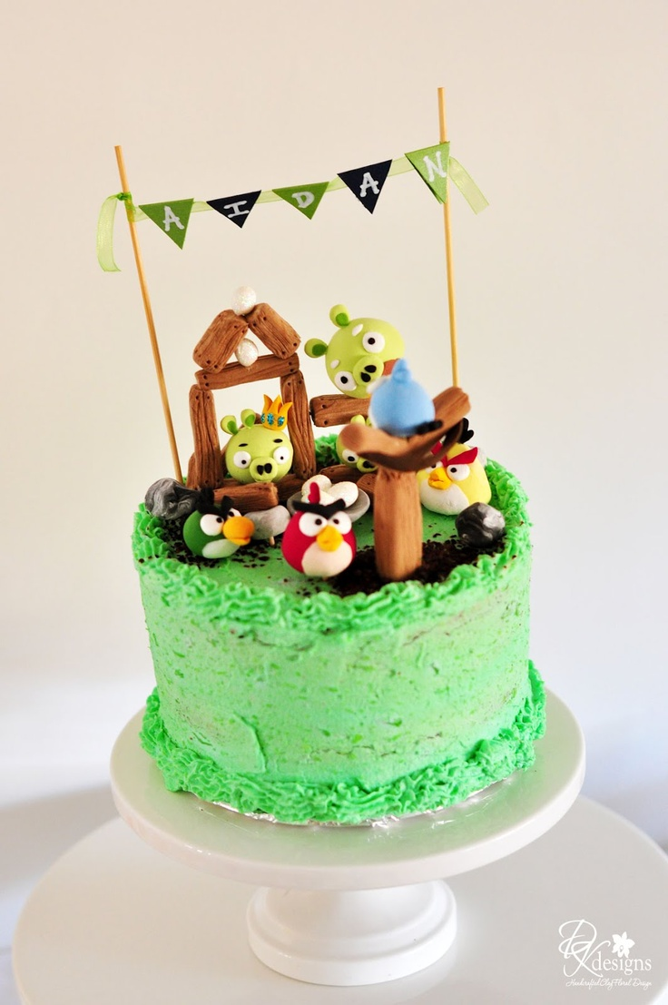 Angry birds piglantis wallpaper angry birds cake toppers for Angry birds cake decoration