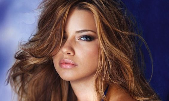 Одлични совети за убавина од Адријана Лима http://www.kafepauza.mk/zivot/odlichni-soveti-za-ubavina-od-adrijana-lima/