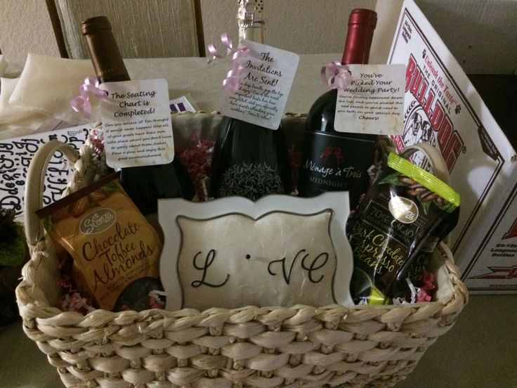 Wedding Engagement Gift Ideas: Engagement Party Gift Basket For A Great Couple