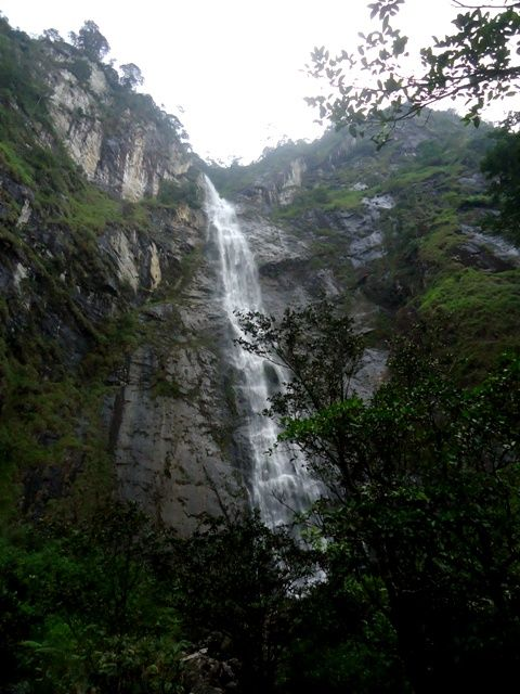 Air Terjun Sambabo Berwisata Menyenangkan di Sulawesi Barat - Sulawesi Barat