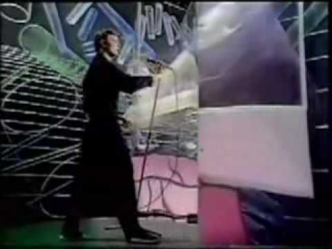 """David Bowie performs Boys Keep Swinging, broadcast in America in 1979. This was a """"normal"""" version compared to the others he did this year. Also includes ver..."""
