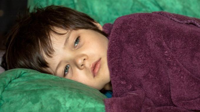 Aujourd'hui, je vous propose de découvrir une astuce d'une efficacité surprenante. En moins d'une demi-heure, vous aurez soigné votre enfant pris, la nuit, d'une douloureuse otite. Ce re...