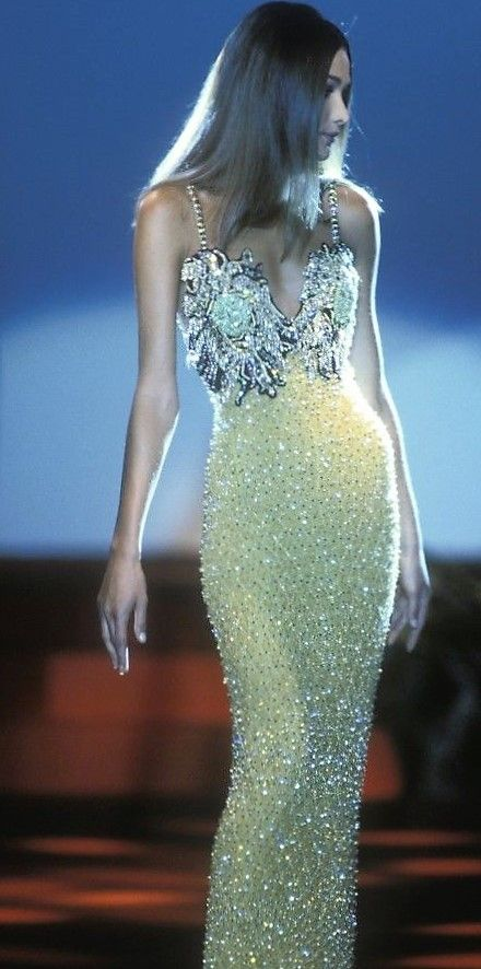 Carla Bruni - Gianni Versace, Autumn-Winter 1991, Couture