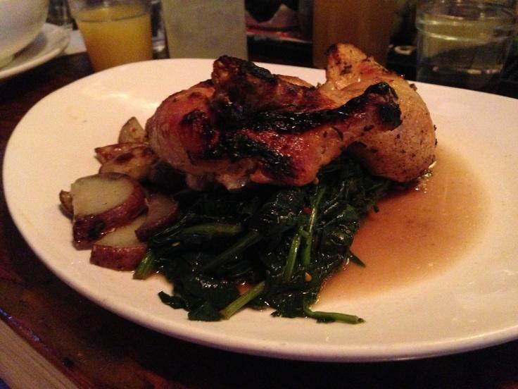Vedugnsbakad kyckling med potatis, spenat och rosmarinssky