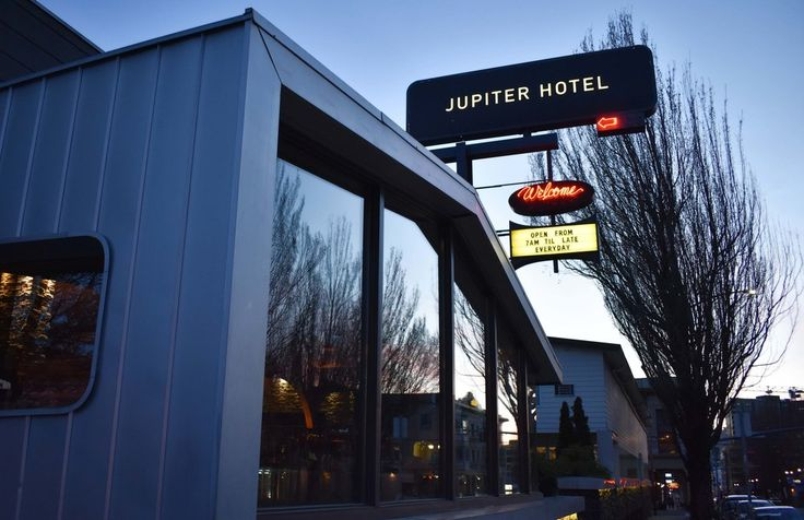This hip renovated motel in South East Portland, Oregon is the perfect destination for any eco conscious traveler who wants an authentic Portland experience. The neighborhood is growing and full of unique boutiques, delicious restaurants, and great bars (not to mention that at Jupiter Hotel itself, you'll find a music venue called the Douglas Fir).