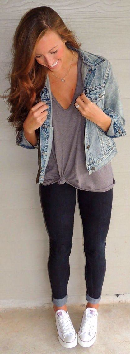 Super cute but SUPER simple... It's a gray t shirt and a jean jacket with skinny jeans. how simple and nice is that?