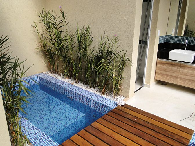 25 melhores ideias de piscinas para quintal pequeno no - Piscina prefabricada pequena ...