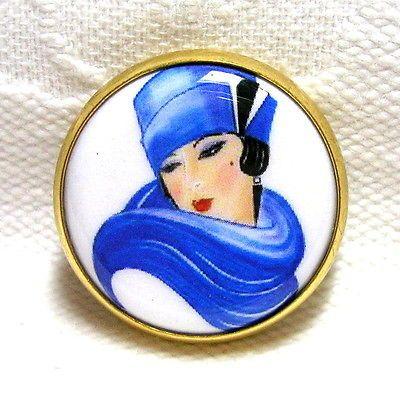 STUNNING-VINTAGE-STUDIO-BUTTON-w-ELEGANT-ART-DECO-WOMAN-IN-COBALT-BLUE