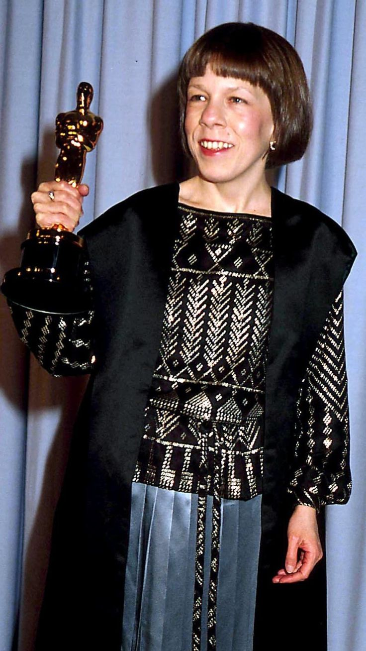 Linda Hunt won the 1984 Academy Award as 'Best Supporting