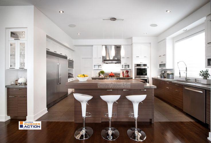 Une cuisine au design moderne avec des armoires en - Cuisine action catalogue ...