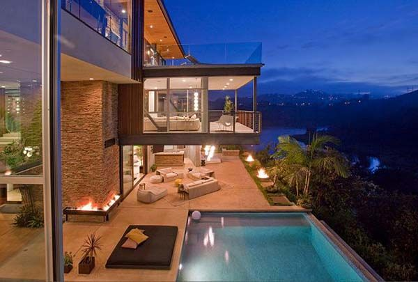 Jaw-dropping Lake Hollywood estate cantilevering over a canyon