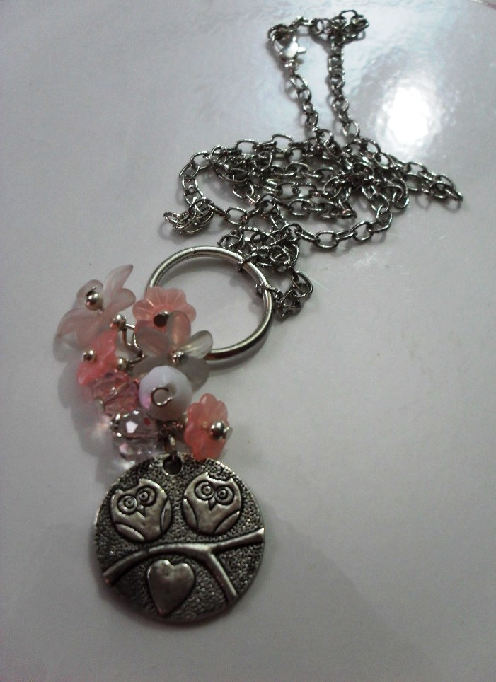 owls love  necklace, lucite flowers, acrilic and cristal; cute owl charm =)  more: https://www.facebook.com/pages/Accesorios-Pekados/272785662745808