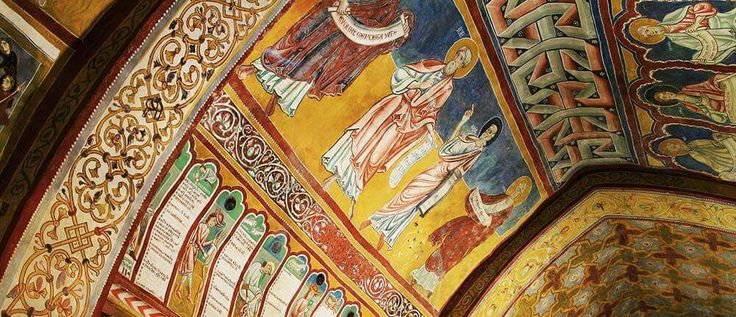Il castello di Bominaco e la Via dell'Oro rosso di Navelli…  The Castle of Bominaco and The Red-Gold Pathway of Navelli