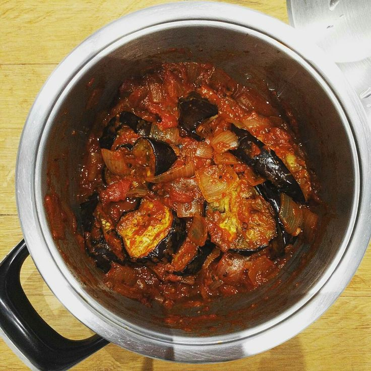 "Reposting @markkoeks:  ... ""Yummy Aubergine Ratatouille out of @lovethekitchen's book - I saw it in the shop last week and it's been on my mind ever since!  #food #cooking #healthyfood #comfortfood"""